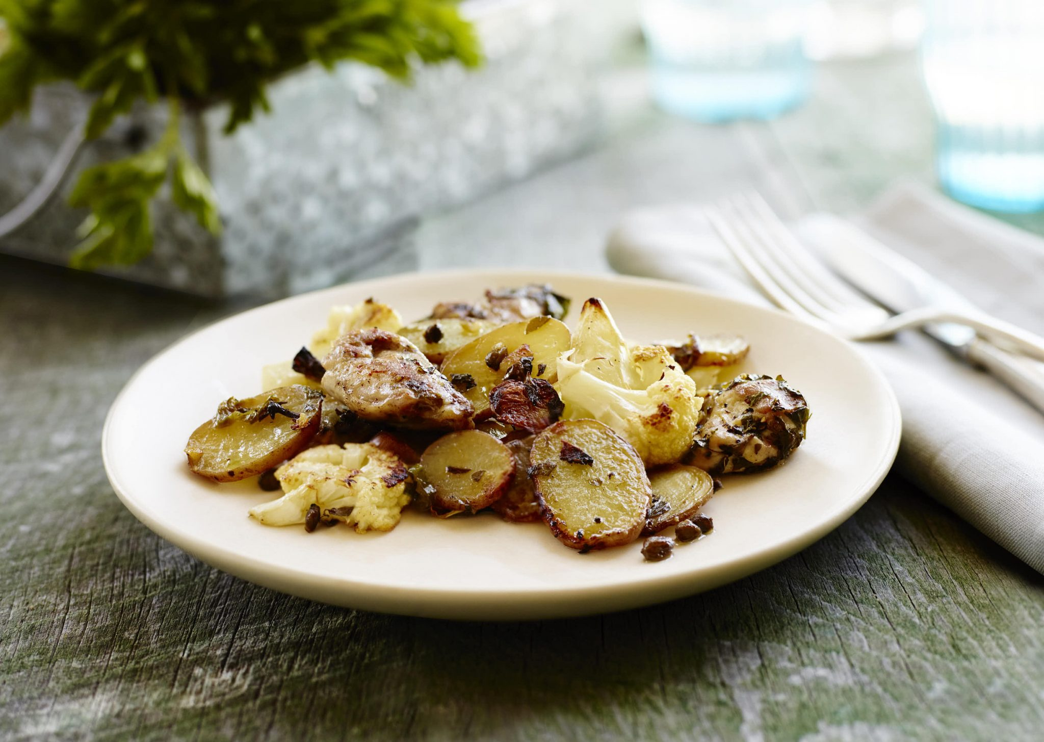Garlic Roasted Potatoes with Chicken and Cauliflower - The Little Potato Company