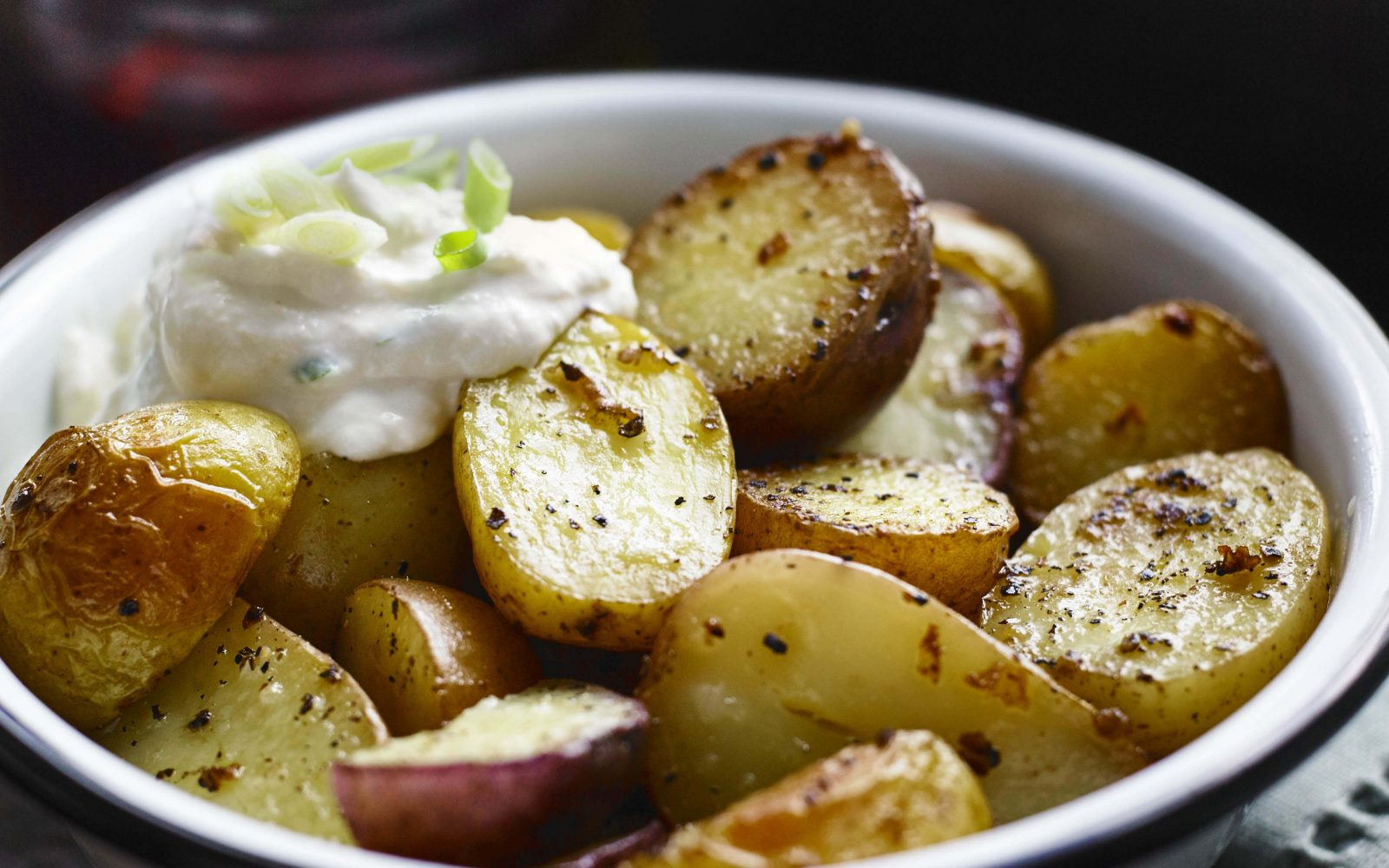 Barbecued Potatoes with Horseradish Sour Cream